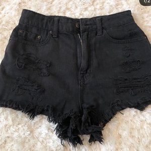 BDG women's distressed high rise shorts size 25